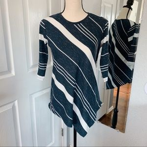 Two by Vince Camuto tunic top 3/4 sleeve striped